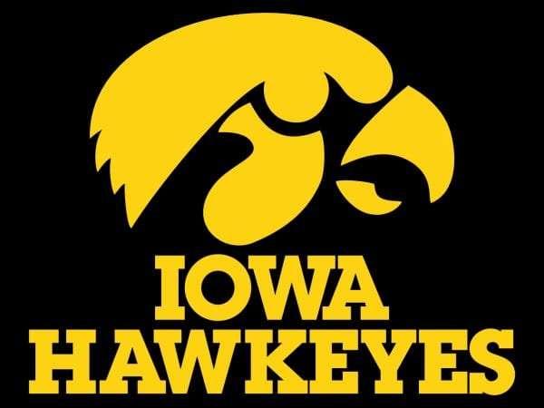 Hawkeye Wrestlers Roll Past Iowa State | Mix 94.7 KMCH