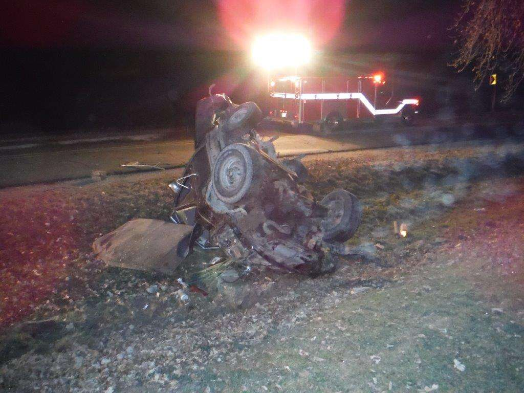 One Dead and Two Airlifted after Fayette County Crash – Mix 94 7 KMCH